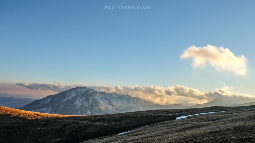Silazak sa Titovog vrha u sumrak.